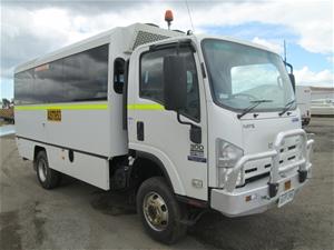 2012 Isuzu NPS 300 4X4 Bus