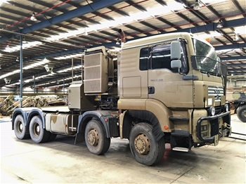 unreserved ex military trucks land rovers trailers. Black Bedroom Furniture Sets. Home Design Ideas