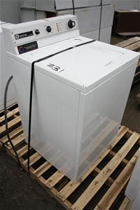 Maytag Commercial Washing Machine. Auction (0080-3001256 ...