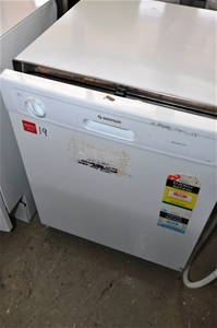 Dishwasher Simpson Model Eziset White With Stainless Steel Interior 240 Auction 0019 5002682