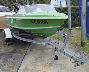 Runabout Boat Savage Avenger Est 42m