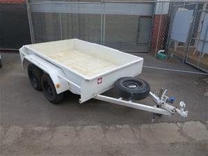 2009 tandem axle trailer with checker plate floor auction for Tandem flooring