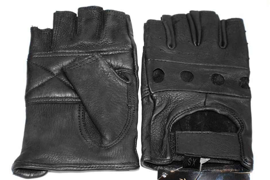 6 x Pairs Deerskin Fingerless Leather Gloves, Size M. Buyers Note - Discoun