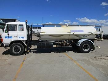 11/1984 Hino FF Series Water Truck