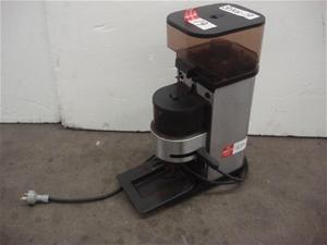 la cimbali cadet coffee grinder auction 0019 7002149. Black Bedroom Furniture Sets. Home Design Ideas