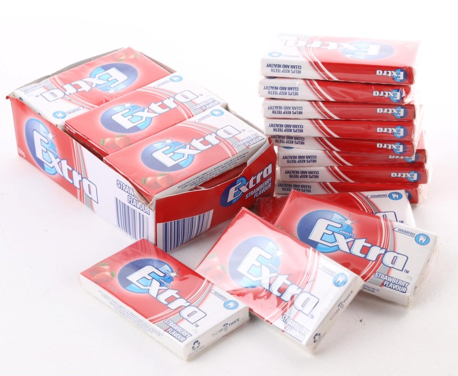24 x Packs of 10 EXTRA Gum Strawberry Flavour. Buyers Note - Discount Freig