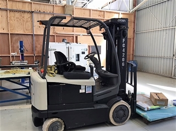 Crown Electric Counter Balance Forklift