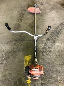 Stihl FS110 whipper snipper, suitable for parts only (G)