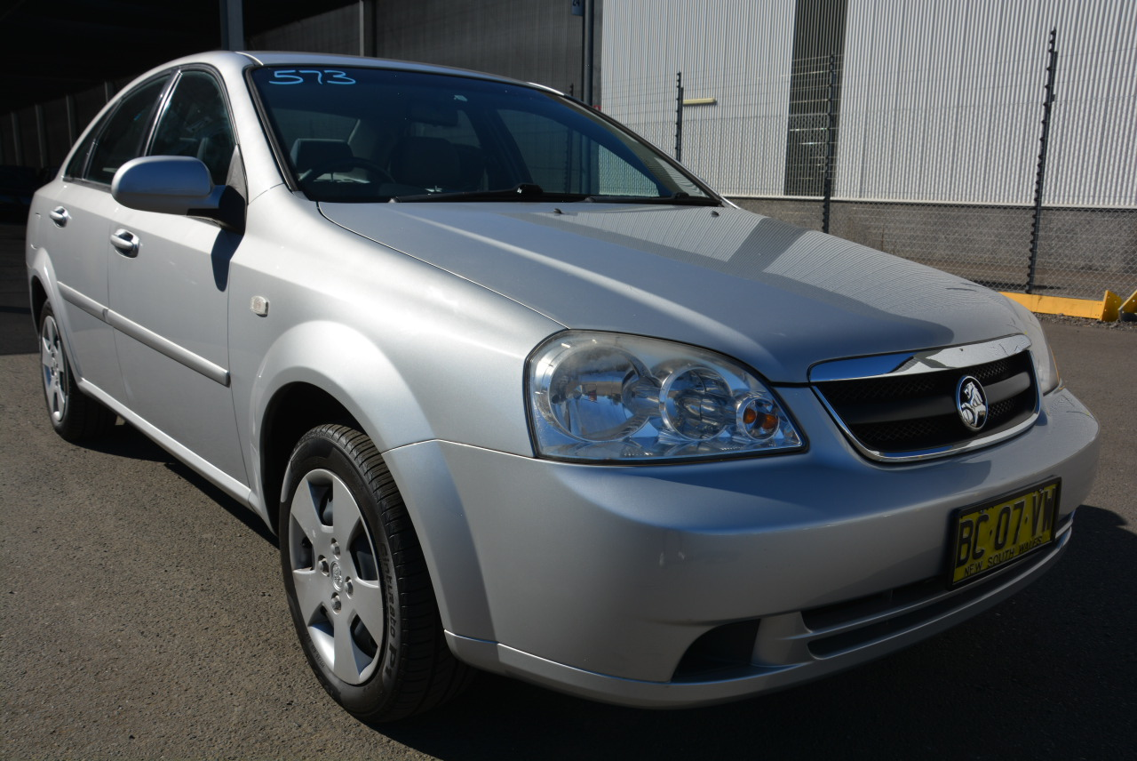 Holden parramatta road graysonline 2005 holden viva jf automatic sedan vanachro Choice Image