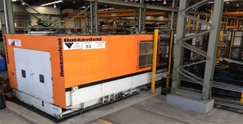 2200 Tonne Injection Moulding Machine