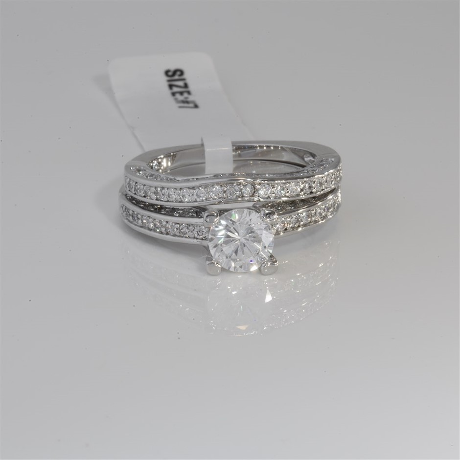 Gorgeous Dazzling Cubic Zirconia Engagement Ring Set Size 7 O
