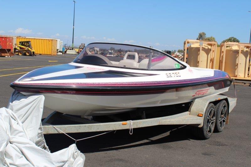 Stejcraft Malibu Ski Boat