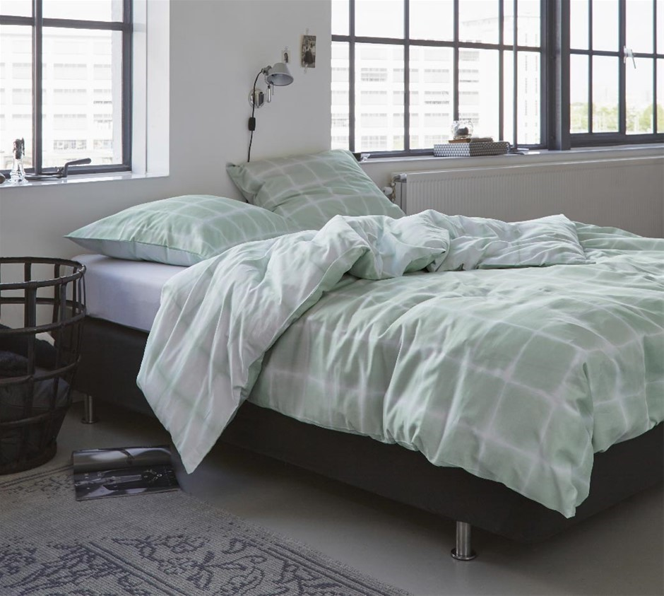 Printed Quilt Cover Set Green Check - QUEEN