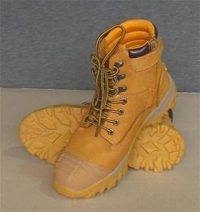 95778f28 Pair of Diadora Craze Zip Unisex Wheat Size UK 9 Safety Work Boots. Code FU