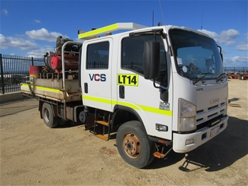 2013 Isuzu NPS300 Crew Cab 4x4 Tray Service Truck