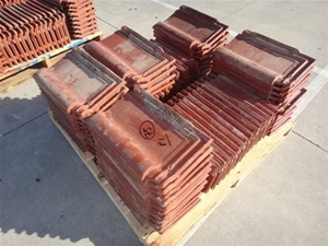 3 Pallets Of Quot Wunderlich Quot Brown Glazed Roof Tiles Swiss