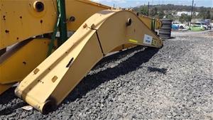 Caterpillar 325D/329D Excavator Boom (damaged)