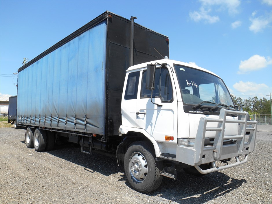 1996 Nissan UD PKC310 6 x 2 Curtainsider Rigid Truck with Tailgate Loader