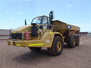 Caterpillar 740 Articulated Dump Truck 4