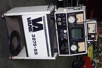 Unreserved Vane 3075-SS Engine Analyser