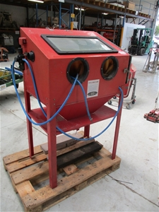 1 x Vertical Sand Blast Cabinet with Pneumatic Valve Hoses Gun and Gloves