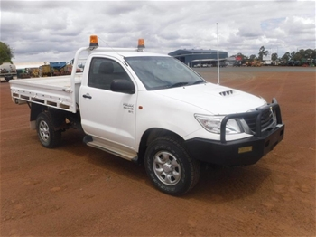 2012 Toyota Hilux SR 4WD Manual - 5 Speed Cab Chassis