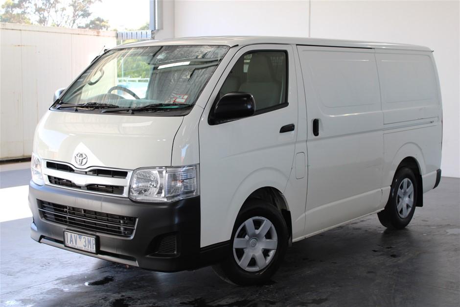 2f9d65e49c9620 2013 Toyota Hiace LWB TRH201R Automatic Van