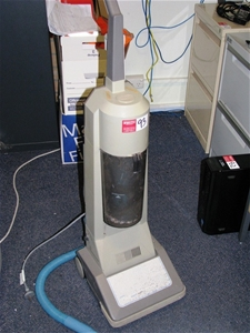 Vacuum Cleaner Amway Cms1000 Upright 240 Volt Plug In