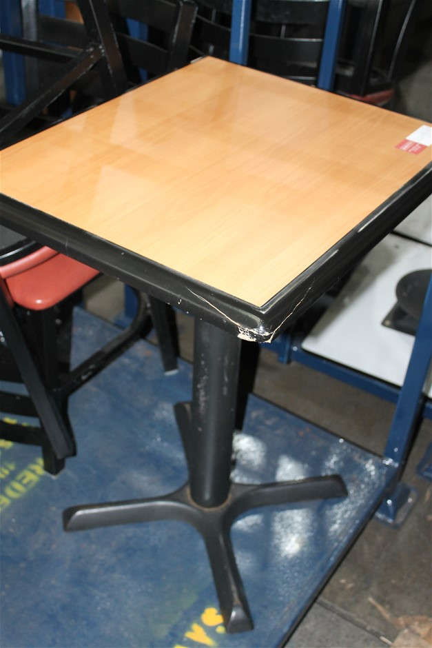 2x Café Tables With 4 X Chairs