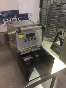 Tray Seal Packaging Machine