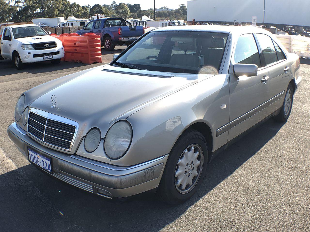 1996 Mercedes Benz E230 Classic W210 Automatic Sedan Auction