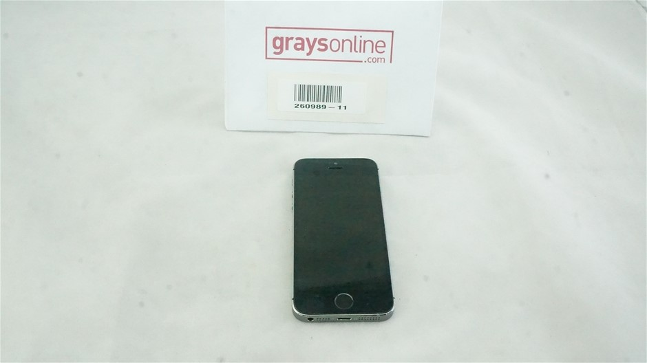 Apple iPhone 5S GSM+CDMA 16GB Space Gray Mobile Phone
