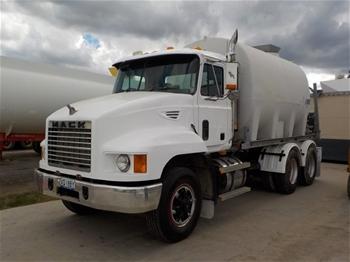 2000 Mack 6X4R 6 x 4 Water Truck