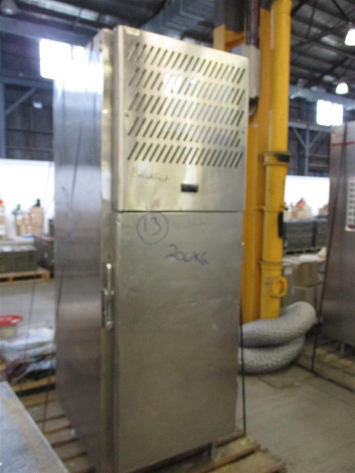 (Lot 425) Williams Refrigerator