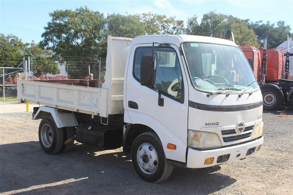 2007 Hino 300 4 x 2 Tipper Truck