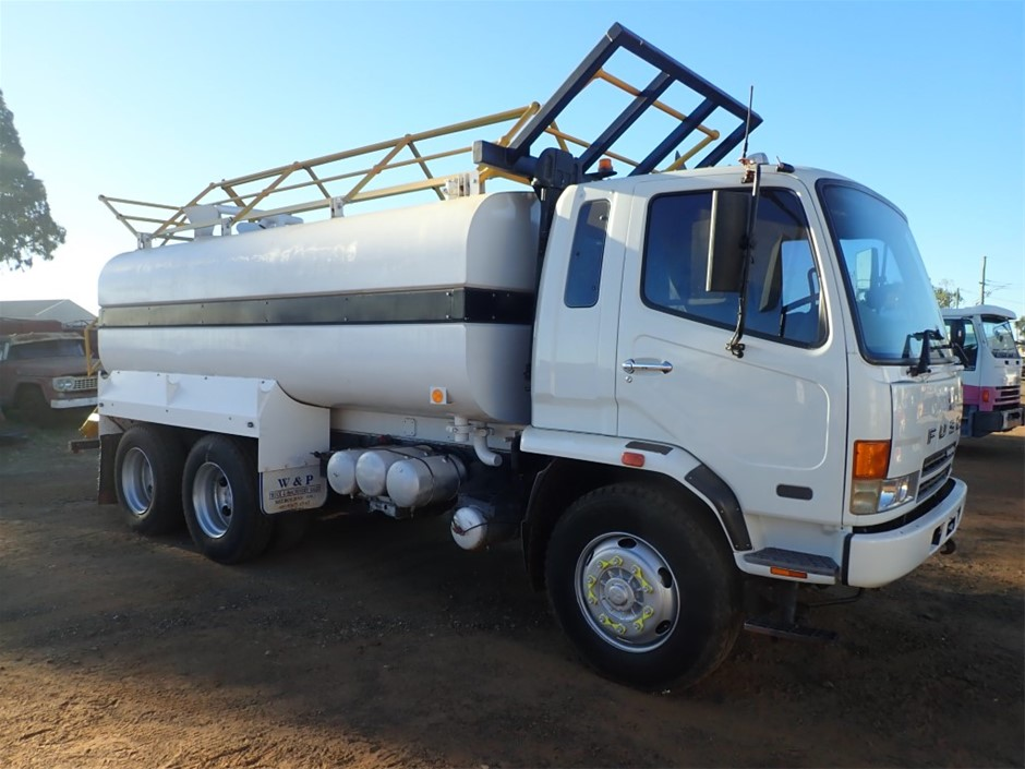 2007 Mitsubishi FN600 Fighter 6 x 4 Water Truck
