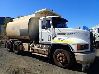 1996 Mack Fleet Liner CHR688RST 6 x 4 Water Truck