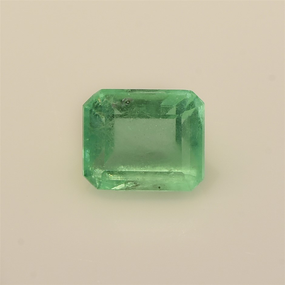 One Loose Emerald 2.89ct in Total