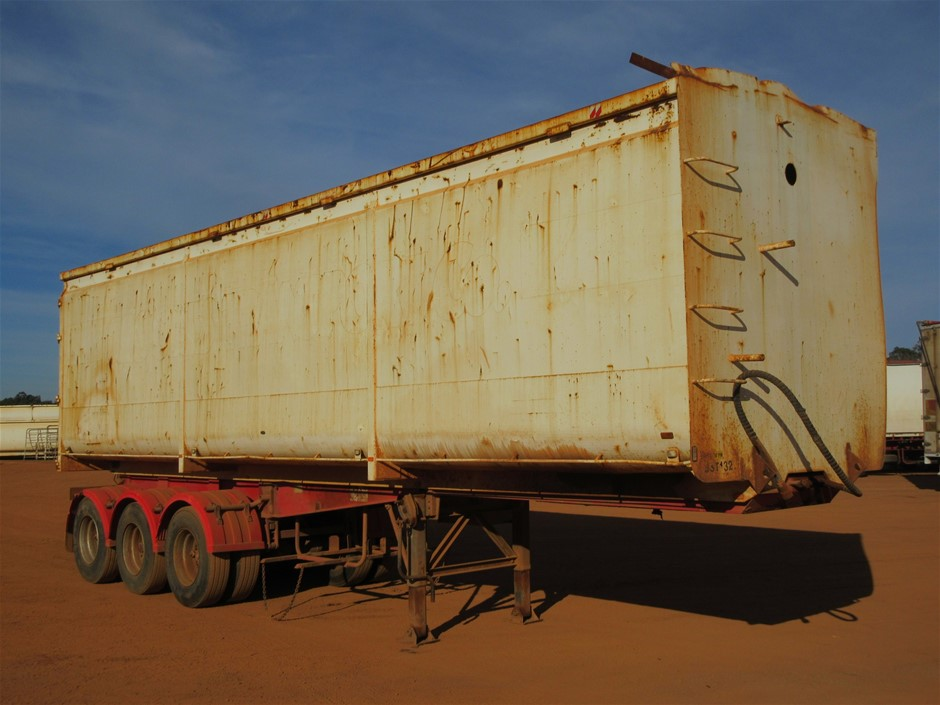 1998 Brown Tri Axle End Tipping Trailer