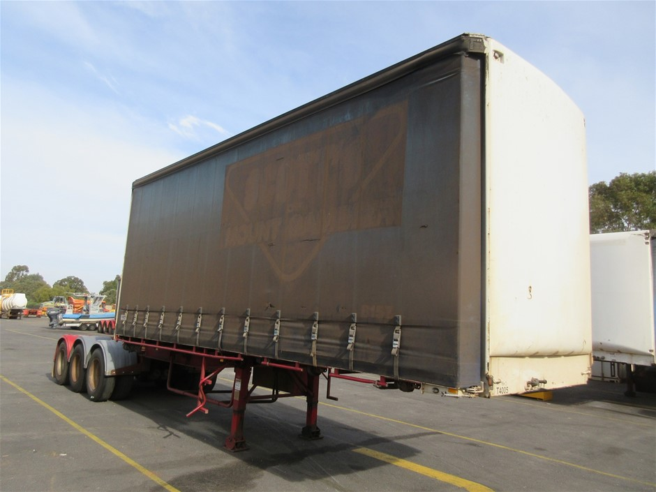 1998 Maxitrans ST3 Tri Axle 'A' Section Curtainsider Trailer
