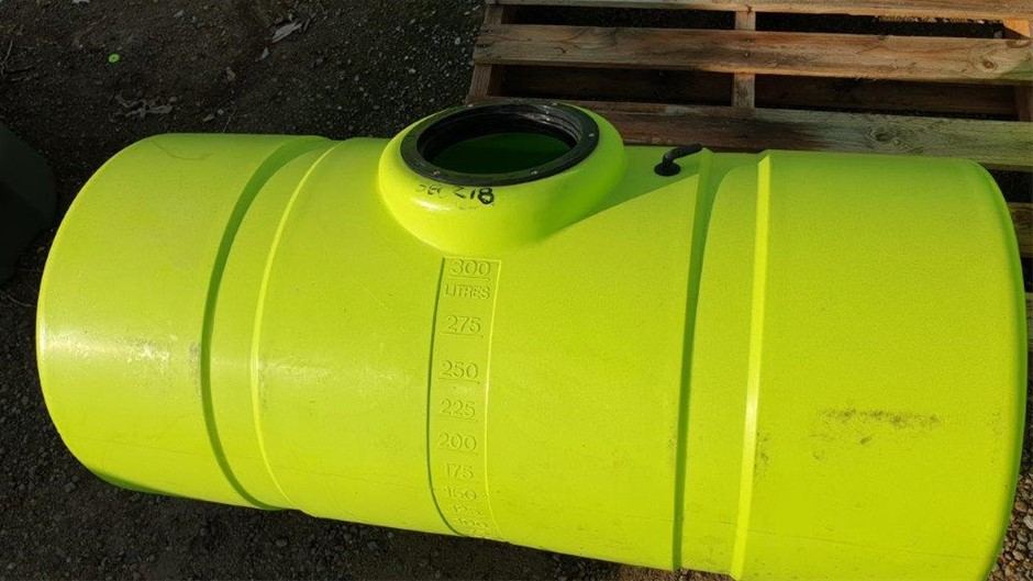 300L Poly Chemical / Water cartage Poly Tank 255mm diam. screw type