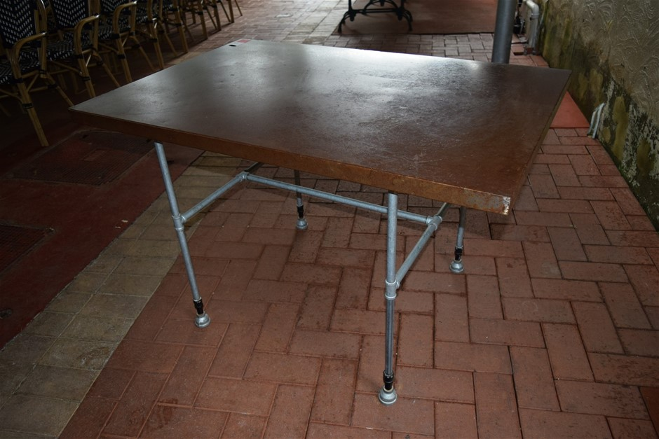 Sheet Metal Treated Top Table on Pipe Fitting Base