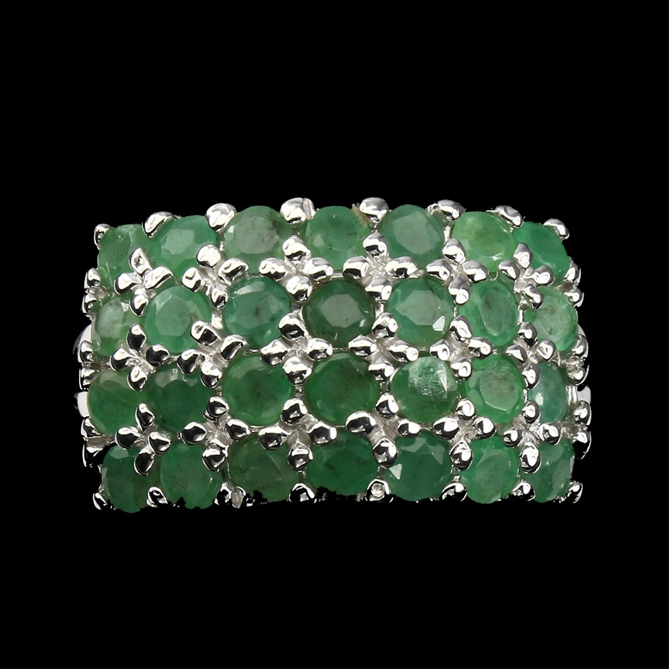 Exquisite Genuine Emerald Ring.