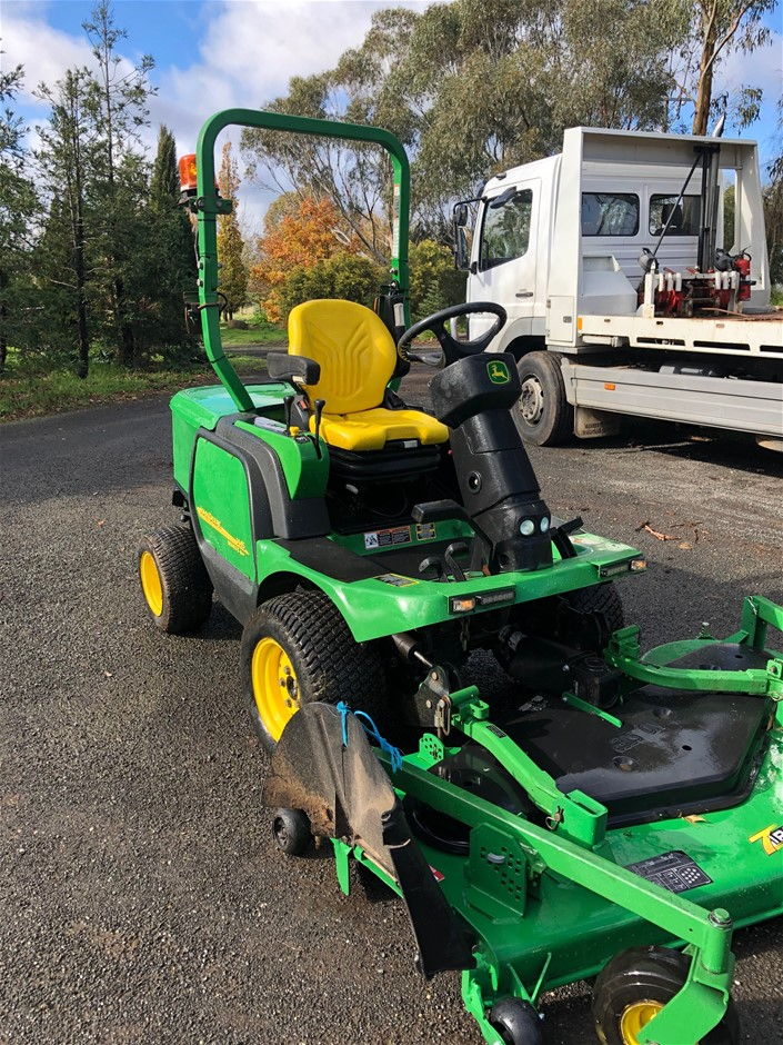 2011 John Deere 1445 Outfront Mower