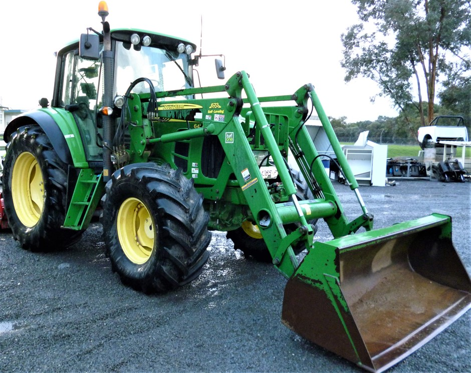 2007 John Deere 6430 Tractor