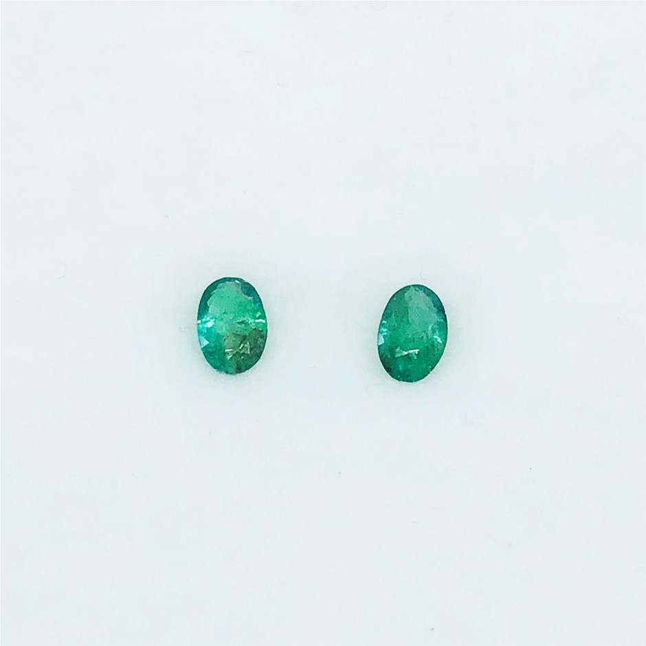 0.71 Ct - Oval Cut Pair of Natural Emerald