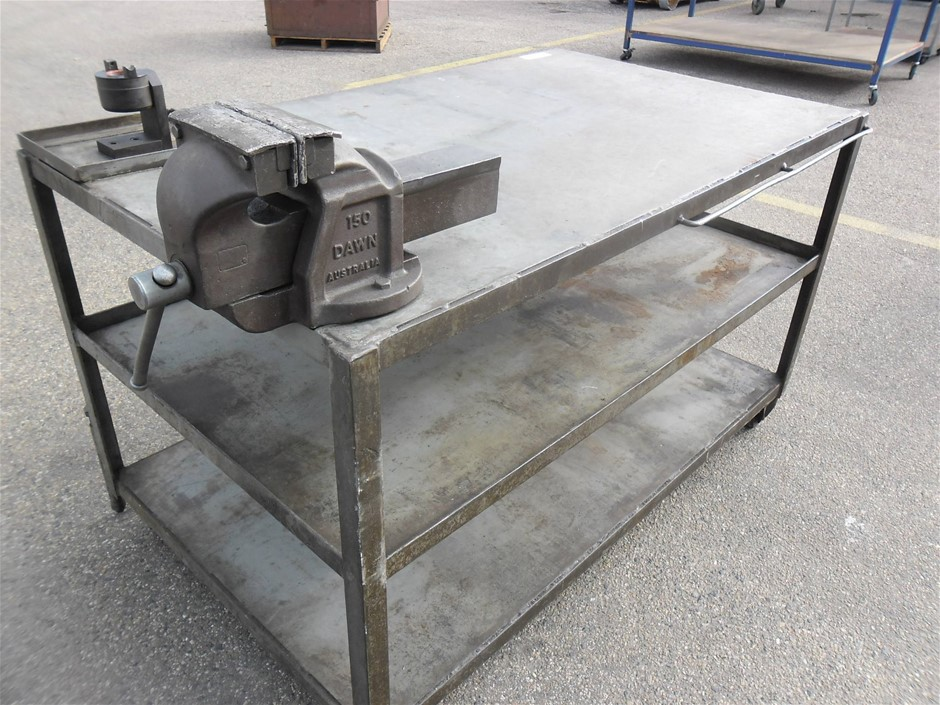 Steel bench with Dawn Vice