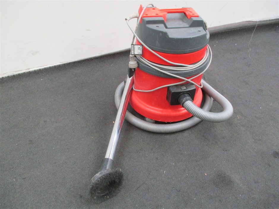 Unbranded Wet/Dray Vacuum