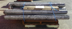 Pallet of approx 100 pieces of pipes
