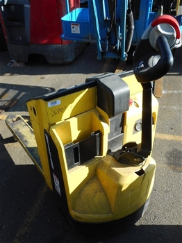 Hyster P2.0 Walk Behind Electric Pedestrian Pallet Mover